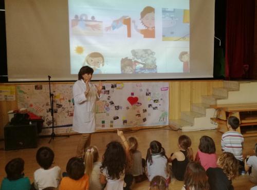 Profesionales de la  Unidad de Gestión Clínica del Albaycín  realizan una Charla -Taller   sobre primeros auxilios a alumnos  de Educación Primaria