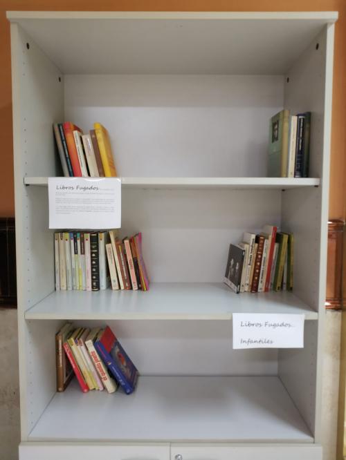 """La UGC de Zaidin Sur pone en funcionamiento la experiencia de intercambio de libros denominada """"Libros Fugados"""" coincidiendo con el """"Dia del Libro"""""""